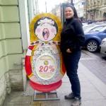 Angela mit Matrioschka