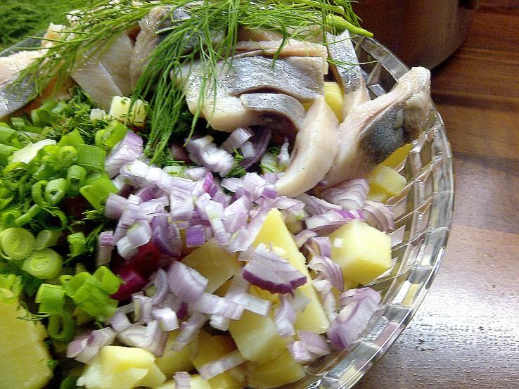 Kartoffelsalat mit Matjes_russisch