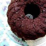 Gedämpfter Schokoladenpudding mit Schokoladensauce
