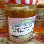 Aprikosen-Marmelade mit Orangensaft, Pfirsichlikör und Pfefferminze