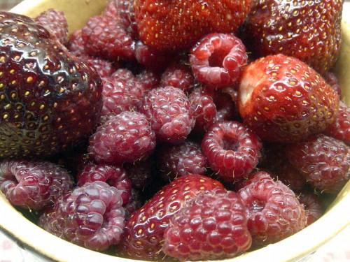 Erdbeeren_Himbeeren_Frisch