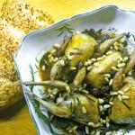 Wachteln mit Rosinen und Pinienkernen